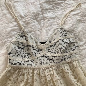 Structured bustier white lace tunic top
